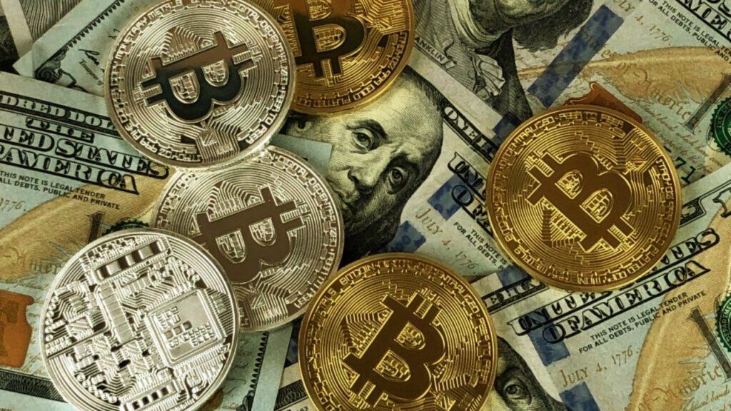 Las criptomonedas y la economía tradicional